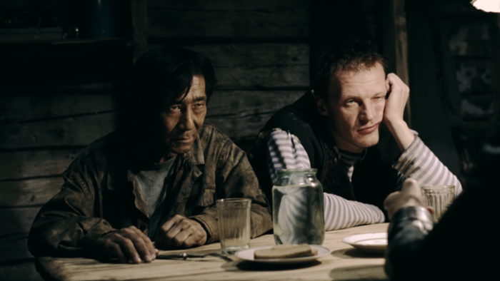 Алексей торгует самогоном